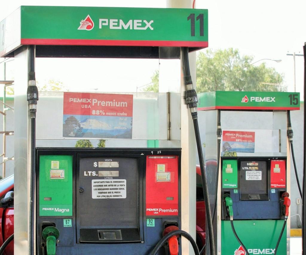 Pemex-lucha-por-bajar-precios-de-gasolina-FCH (2)